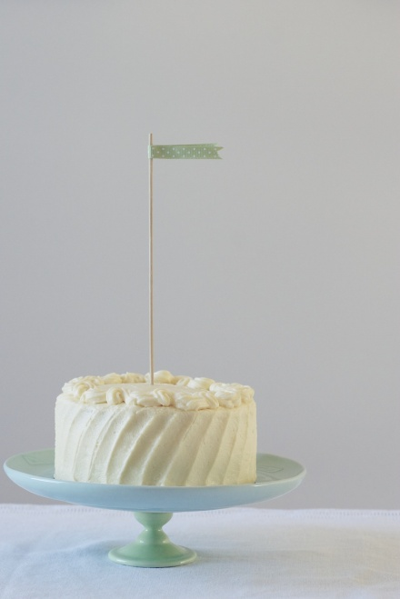 six-inch classic white layer cake | movita beaucoup